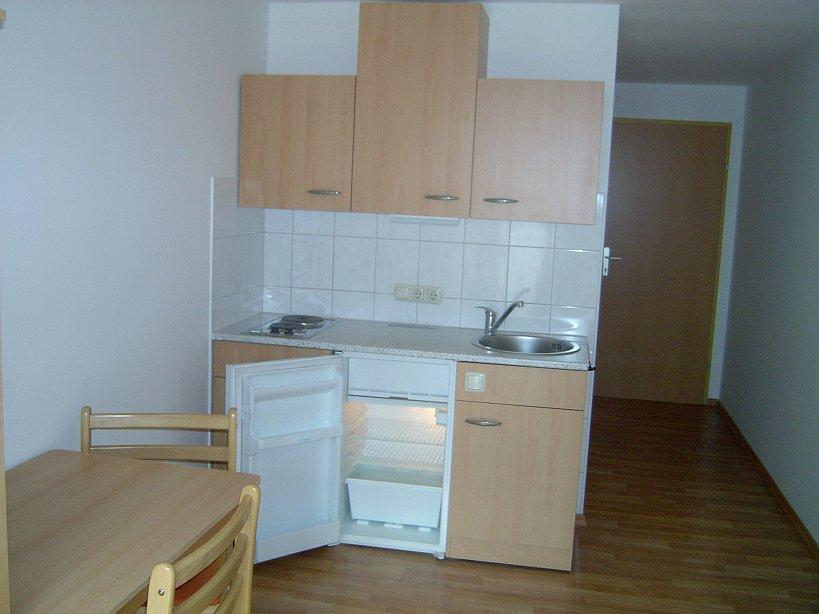 die appartements sind voll m bliert. Black Bedroom Furniture Sets. Home Design Ideas
